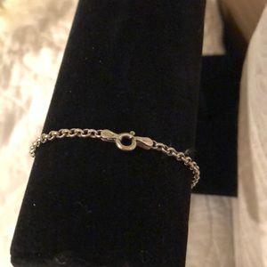 Sterling Silver Interlocking chain bracelet